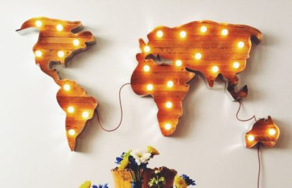 e7c00d0cbc5df7cc5f131a94189a16c7--worldmap-marquee-lights